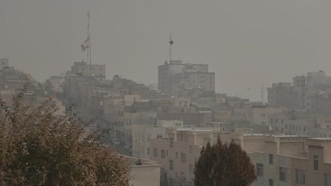İran'da hava kirliliği sebebiyle okullar yarın tatil edildi