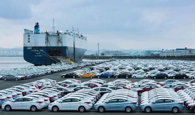 'Otomotiv üssü'nden 1 günde 560 araba ihraç edildi