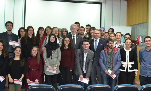 Uludağ Üniversitesi'nde okuyan 400 öğrenci e-dünya abonesi oldu