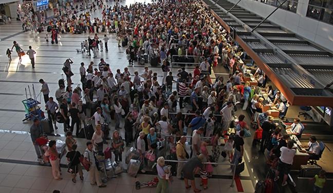 Antalya'ya yurt dışından gelen ziyaretçi sayısı arttı