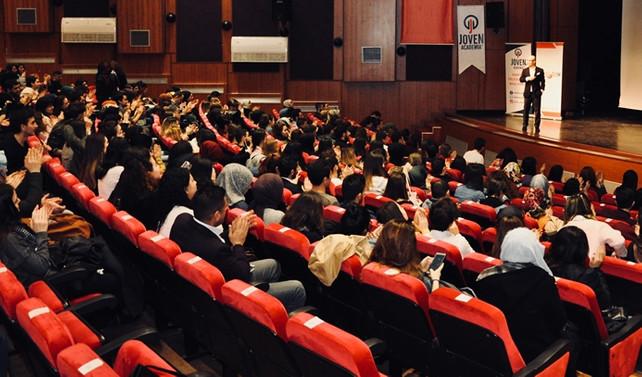 Kocaeli kişisel gelişim zirvesinde 750 kişi buluştu
