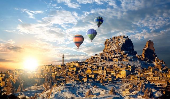 """""""Kültür kayağı destinasyonu ile Erciyes'ten Kapadokya'ya turizm köprüsü kurulacak"""""""