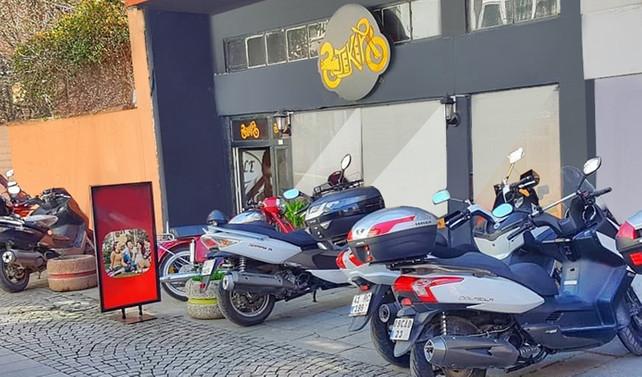 Motosiklet tutkunları 2 Teker Cafe'de buluşuyor