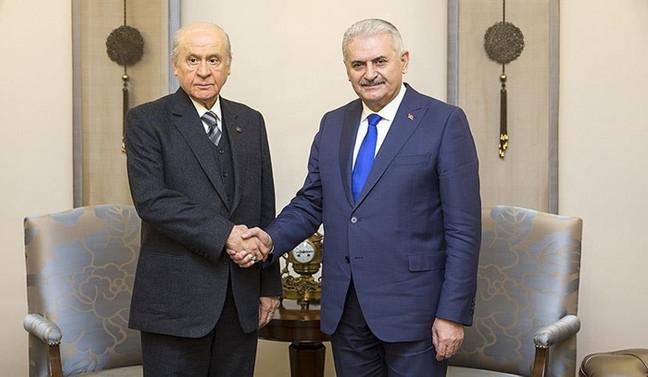 Başbakan Yıldırım'dan Bahçeli'ye tebrik telefonu