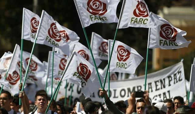 FARC, devlete 19 kilogram altın teslim etti