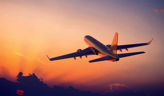 Suudi hava sahasını kullanan ilk uçak İsrail'e iniş yaptı