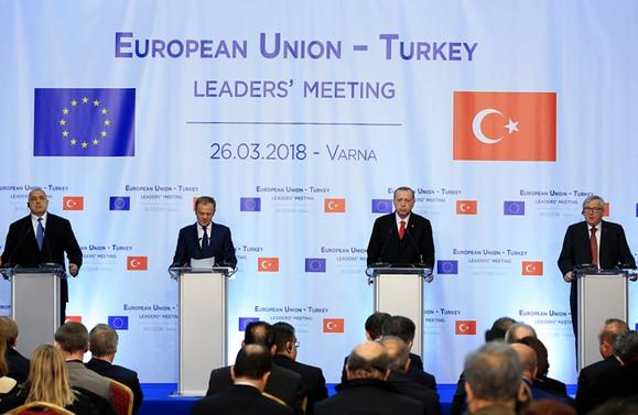 Erdoğan: AB vize konusunda bir an önce adım atmalı