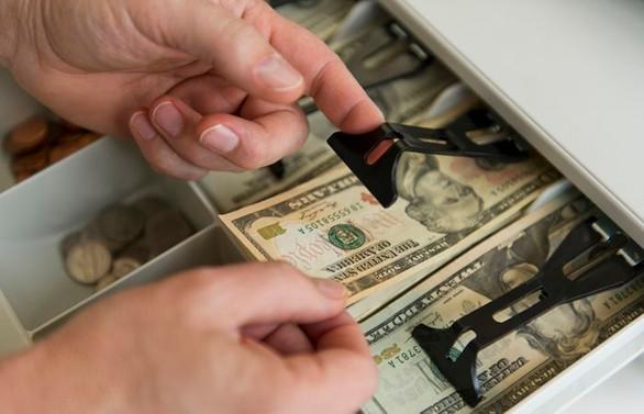 Dolar/TL 3.98'i gördü