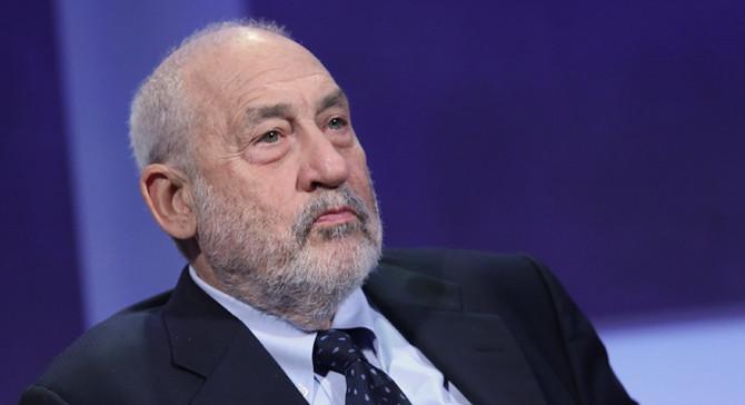 Stiglitz: Trump'ı en hassas noktasından vurun