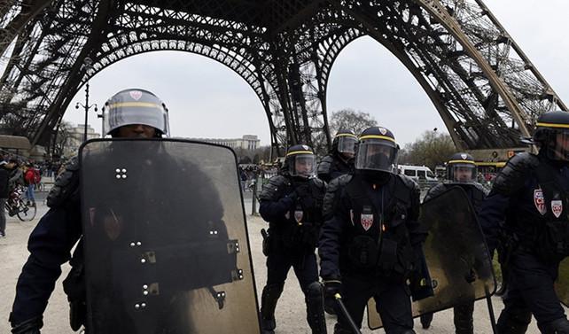 Fransa'da radikalleşen 20 yabancı sınır dışı edildi