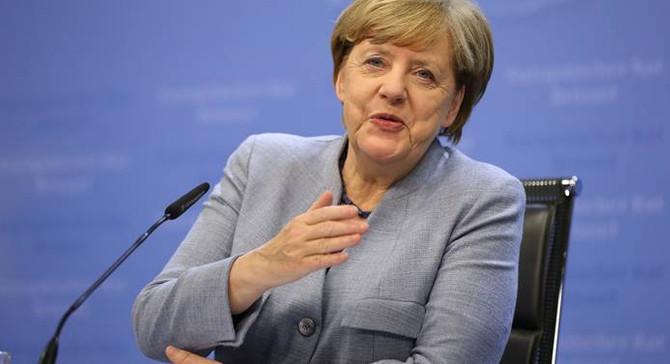 Almanya'da SPD büyük koalisyona evet dedi