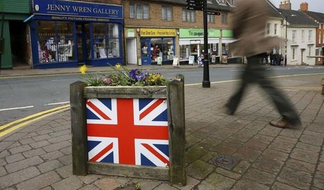 Birleşik Krallık'ta imalat büyümesi 8 ayın en dibinde