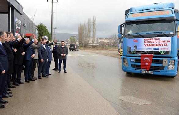 Bursa'dan Zeytin Dalı'na 6 TIR dolusu yardım