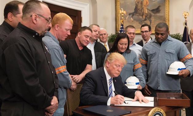 Trump, gümrük tarifesini imzaladı
