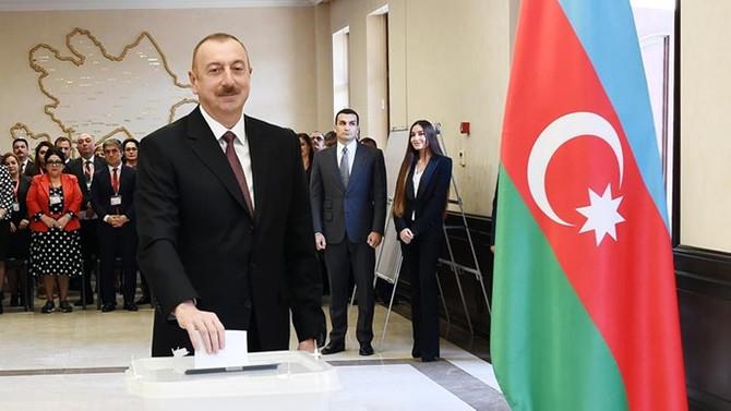 Azerbaycan'da Aliyev yeniden cumhurbaşkanı