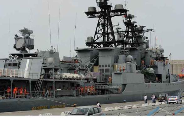 Rus gemileri güvenlik amacıyla Tartus'tan ayrıldı