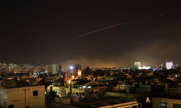 ABD, Suriye'yi havadan vurdu