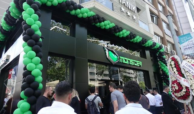 Monster Notebook 2. oyun mağazasını açtı