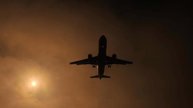 Çin'de yolcu uçağında rehine krizi
