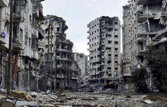 Savaşın yıktığı ülkeyi yeniden inşa etmek için yarışıyorlar!