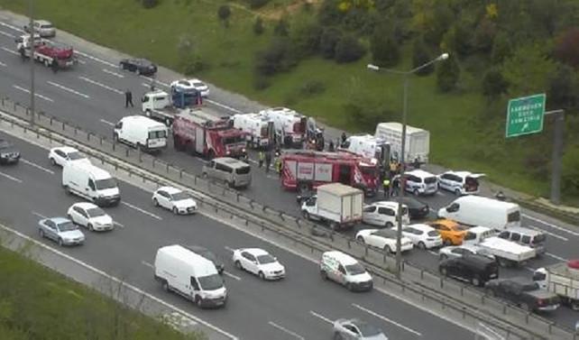 FSM'de kaza: Otoyol bir süre trafiğe kapandı