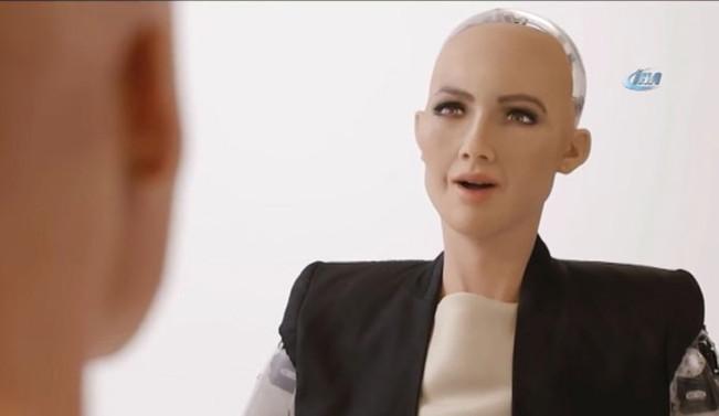 Robot Sophia: Smith ile vakit geçirmek eğlenceliydi