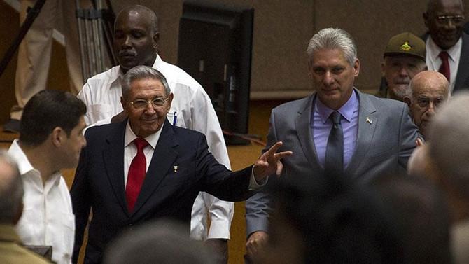 Küba'da 'Castro' dönemi kapandı