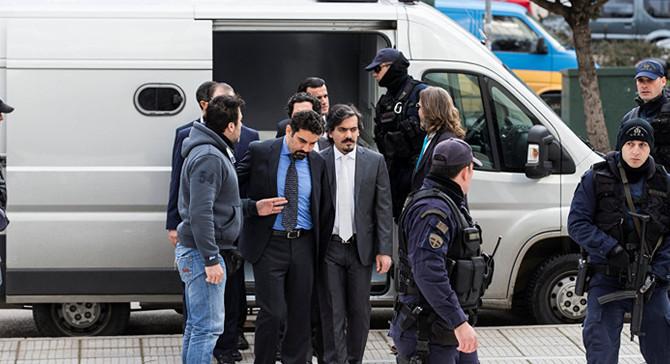 Yunan yargısından darbeci askere geçici serbestlik