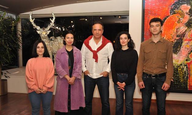 Hitay Holding'den sanatçı adaylarına destek