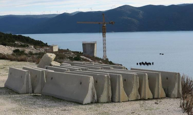 Hırvatistan'daki tartışmalı köprü için imzalar atıldı