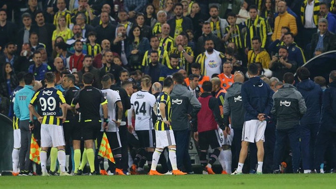 Derbiye çıkmama kararı alan Beşiktaş'ı bekleyen cezalar