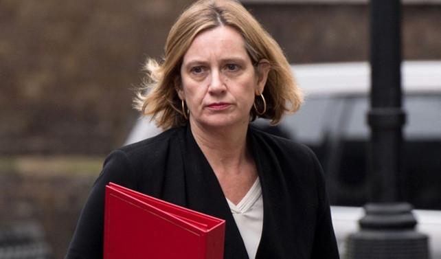 İngiltere İçişleri Bakanı istifa etti