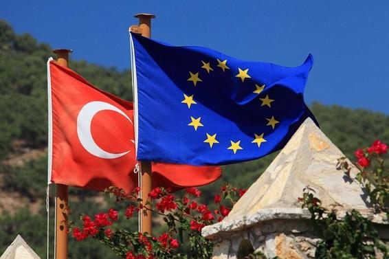 AB heyetinden Türkiye'ye vize serbestisi ziyareti