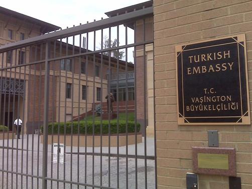 Büyükelçilik önündeki kavgaya karışan iki Türk'ün cezaları belli oldu