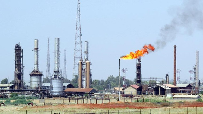 Brent petrol, ABD'nin ticari yaptırımlarıyla geriledi