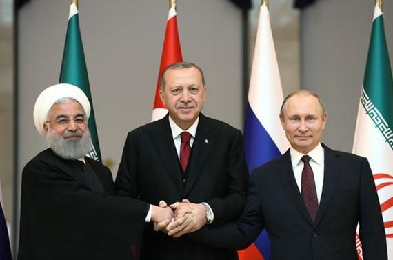 Rusya ve İran'la her konuda mutabık değiliz