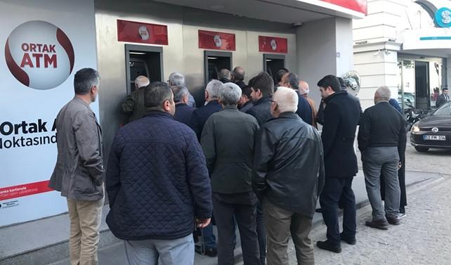 Fındık üreticileri ATM'lere akın etti
