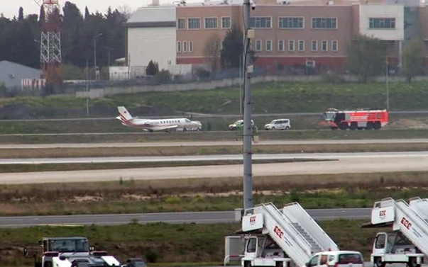 Atatürk Havalimanı'nda kalkış yapacak uçağın tekerlekleri patladı