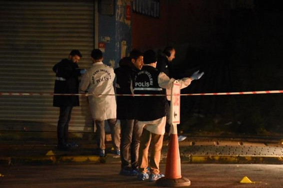 İstanbul'da silahlı saldırı: 1 ölü, 3 yaralı