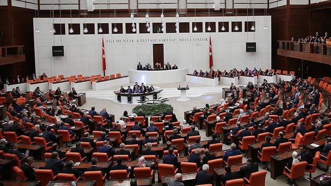 Bakanlar Kuruluna KHK yetkisi veren tasarı kabul edildi