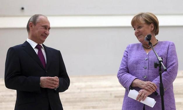 Putin ve Merkel İran'ı görüştü