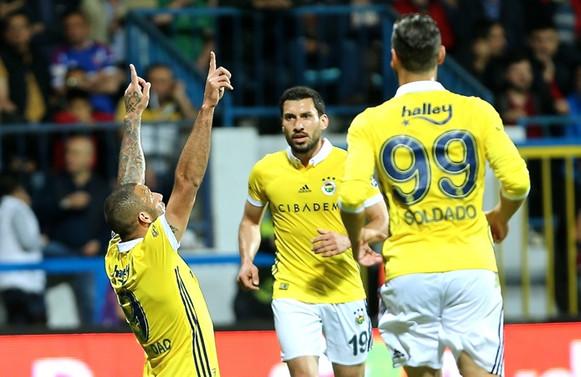 Fenerbahçe hala umutlu: 7-0