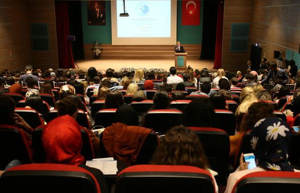 Biruni Üniversitesi Otizm Sempozyumu düzenledi