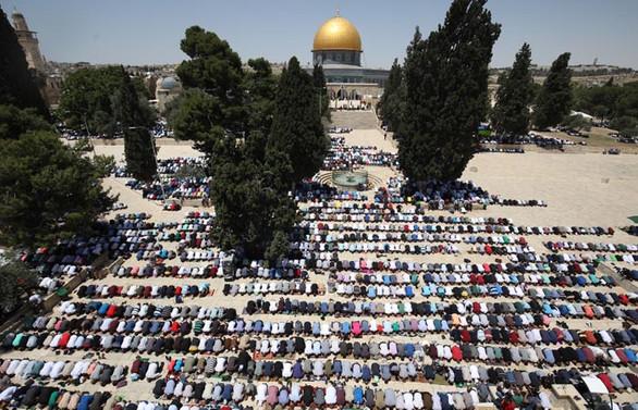 Mescid-i Aksa'da ramazan ayının ilk cuma namazı kılındı