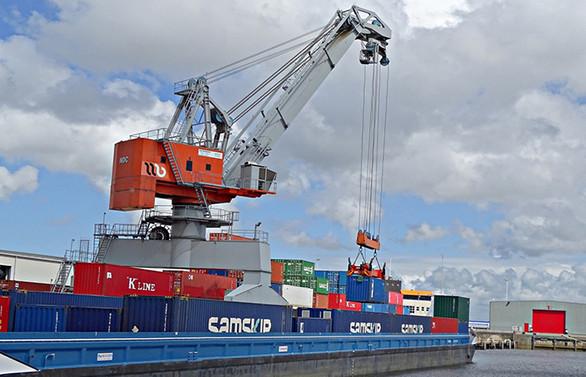 Euro Bölgesi'nde ithalat ve ihracat azaldı