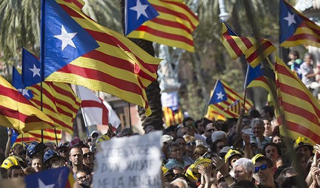 Katalonya'da yeni hükümet ayrılıkçı girişimleri sürdürüyor