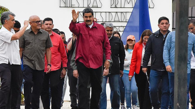 Venezuela'da Maduro ile devam