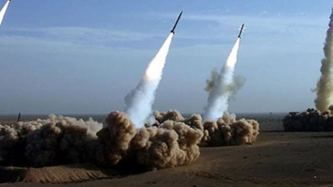 Husilerden Suudi Arabistan'a füze saldırıları sürüyor