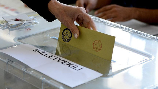 Almanya'da ilk oy 4 Haziran'da kullanılacak