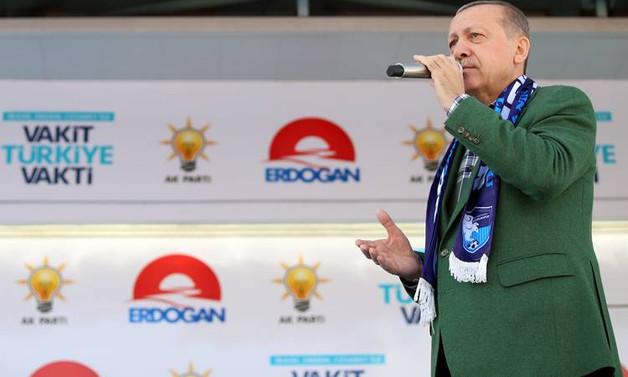 Erdoğan: Paranızı gidin TL'ye yatırın